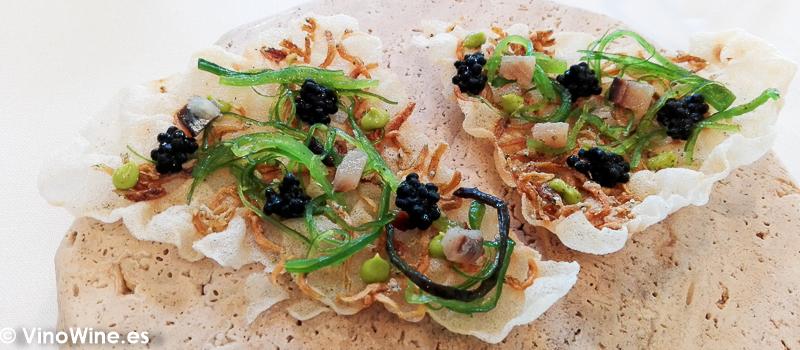 Torta suflada con sardina y algas del Restaurante El Carmen de Montesión en Toledo