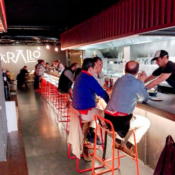 Vista parcial de la sala del Restaurante Arallo Taberna de Madrid