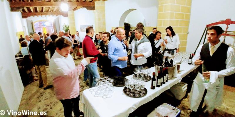Fiesta de Bodegas Tradicion el lunes noche de Vinoble