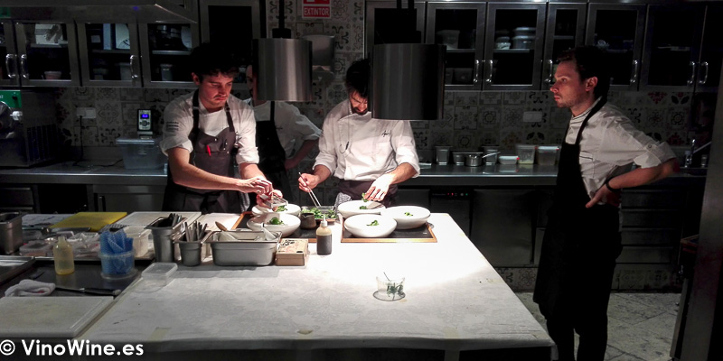 Detalle de la cocina del Restaurante Amelia de San Sebastian