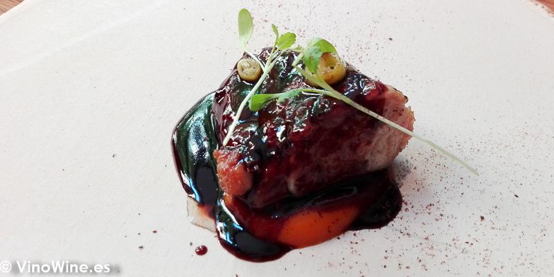 Molleja ajo negro y zanahoria del Restaurante Amelia de San Sebastian