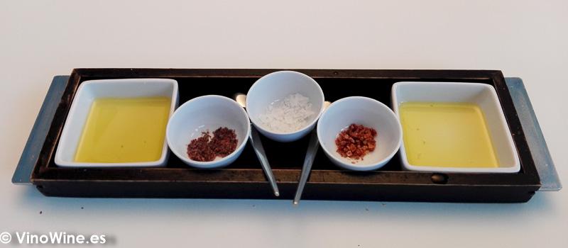 Pan aceite y sal del Restaurante Aticcook en Denia