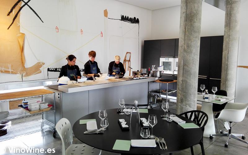 Vista parcial de la sala del Restaurante Aticcook en Denia