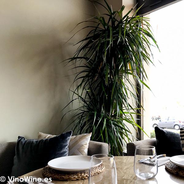Detalle decorativo de la sala de Tula Restaurante de Javea en Alicante