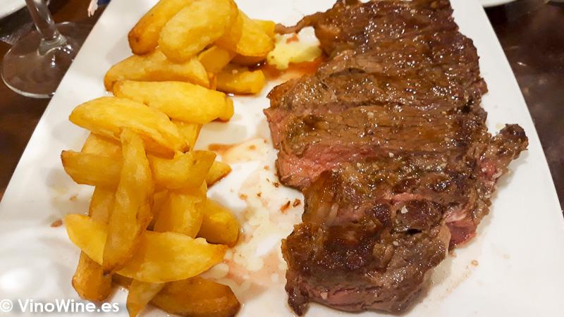 Carne de vaca degustada en la Taberna Oly de Sevilla
