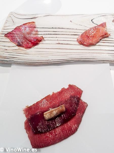 Cecina de atun Ventresca de atun Sobrasada de huevas de bacalao Pulpo seco del Restaurante Quique Dacosta en Denia