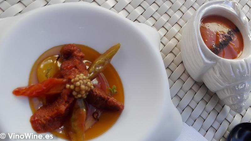Cremoso de yemas de erizo y yemas de tomate fermentado del Restaurante Quique Dacosta en Denia