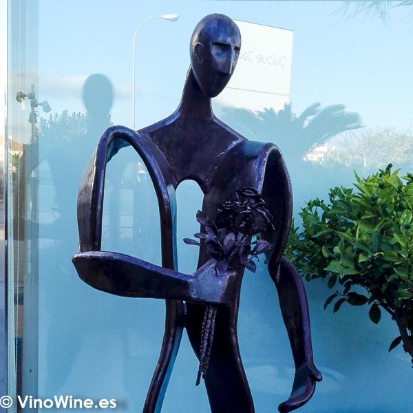 Escultura del Restaurante Quique Dacosta en Denia