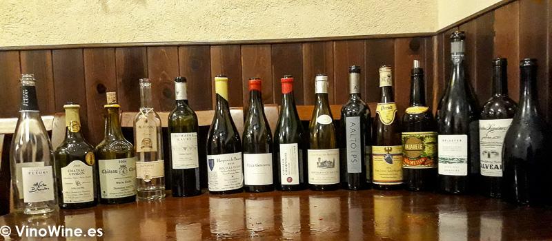 Vinos aportados por los Bojos pel Vi y degustados en la Taberna Oly de Sevilla