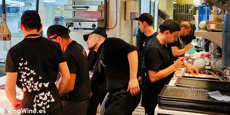 Instantanea de las cocinas del Restaurante Diverxo en Madrid