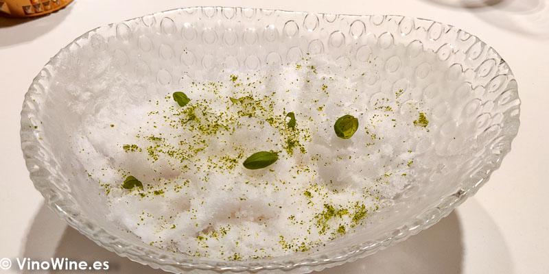Kakigori Sopa tom kga kai helada con guayaba del Restaurante DiverXo de Madrid