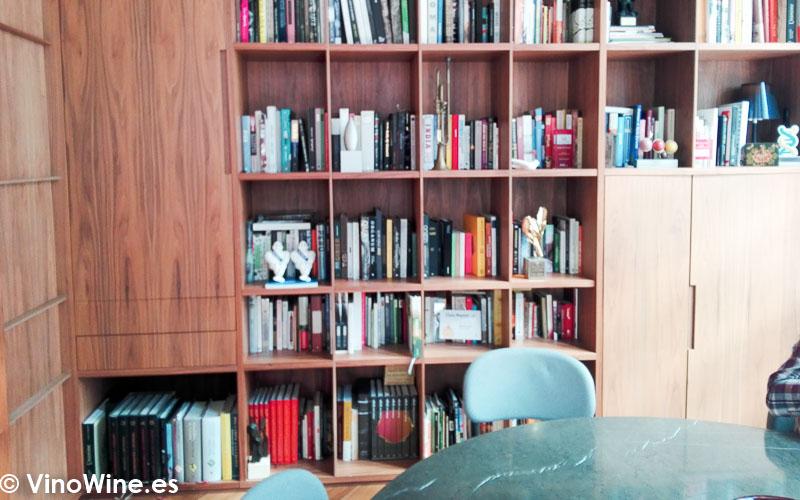 Biblioteca gastronomica del Restaurante Ricard Camarena en Valencia