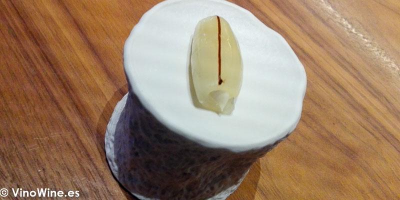 Cebolla, anchoa y ajo negro del Restaurante Ricard Camarena en Valencia