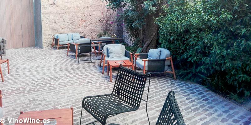 Patio terraza del Restaurante Ricard Camarena en Valencia