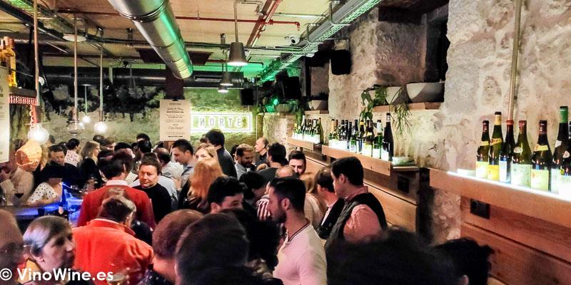 Ambientazo en Norte Gastrobar Fin de Fiesta de El Alma de los Vinos Unicos 2019 en Burgos