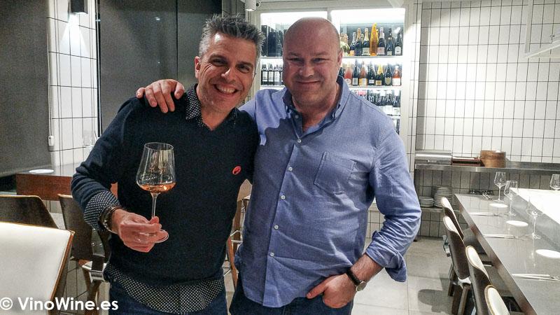 Constatacion de la Felicidad de Fer y Jose Ruiz en el Restaurante Canabota en Sevilla
