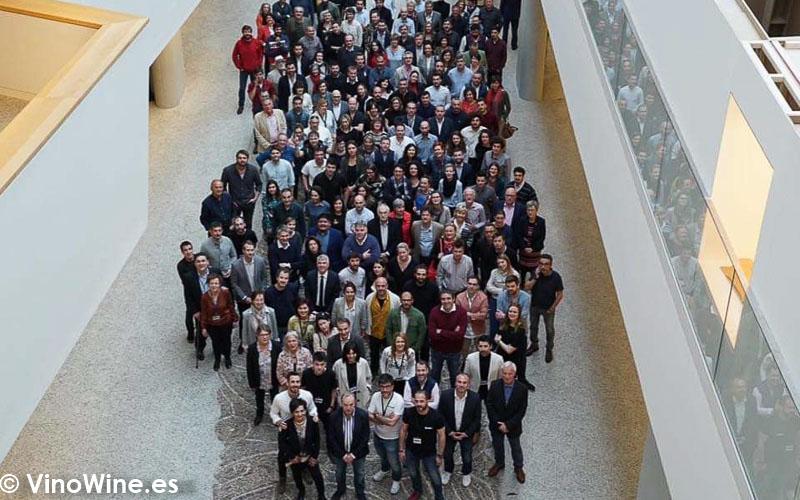 Foto de grupo de los expositores en El Alma de los Vinos Unicos 2019 en Burgos