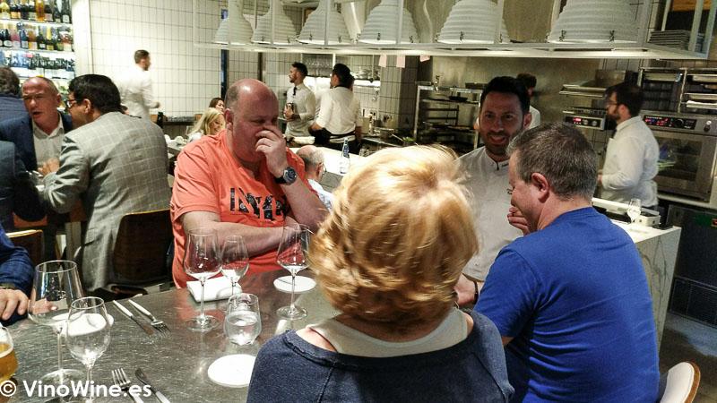 Miembros de los Restauranteros en el Restaurante Canabota de Sevilla