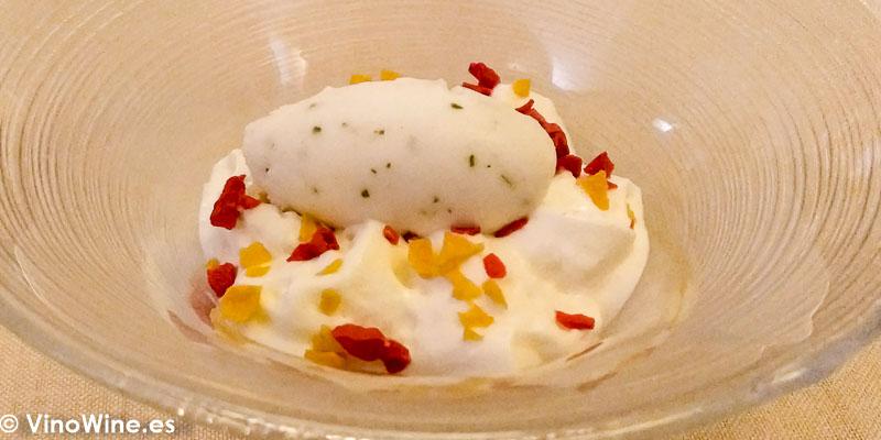 Espuma de yogur con sorbete de hierbabuena y lima del Restaurante Abantal de Sevilla