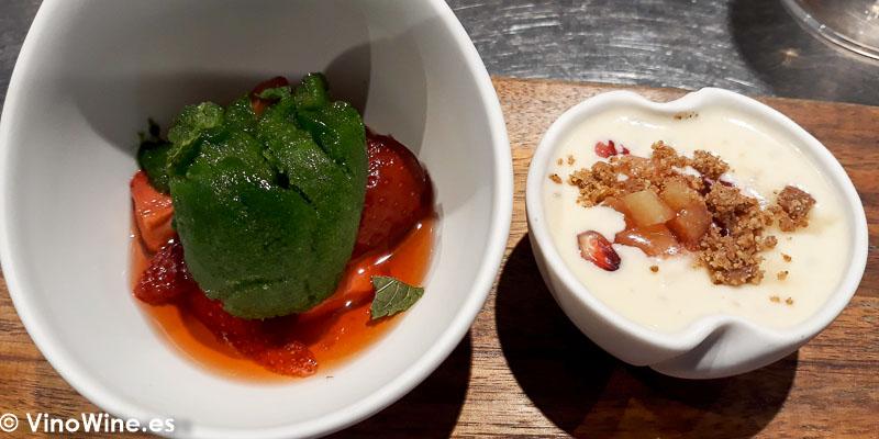 Fresas y sorbete de hierbabuena Arroz con leche granada membrillo y galleta de canela postre del Restaurante Canabota en Sevilla