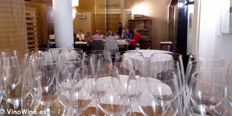 Sala del Restaurante Abantal en Sevilla vista parcial