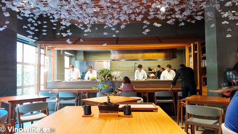 Vista parcail de la sala del Restaurante Nozomi en Valencia