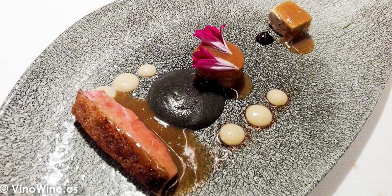 Alitas del Pato Caneton en dos pases del Restaurante Maralba en Almansa