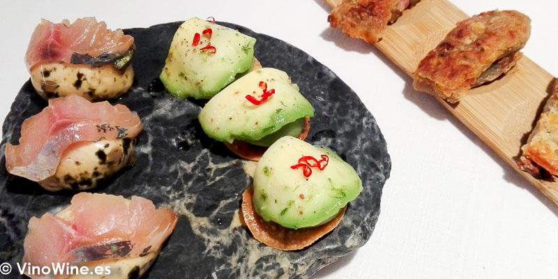 Niguiri de Jurel Aguacate en texturas y Manitas de cerdo del Restaurante Maralba en Almansa