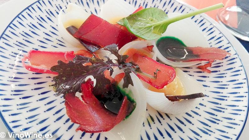 Clafolls de cebolla con salazones de Un cuiner a la escoleta de Sagra Alicante