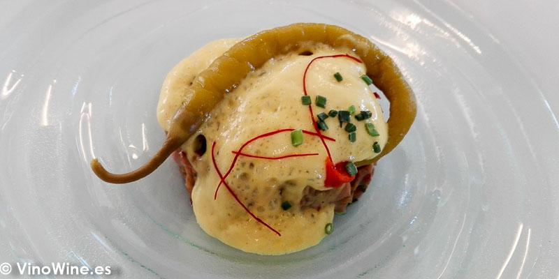 Figatell de bonito con espuma de mostaza en Un cuiner a la escoleta de Sagra Alicante