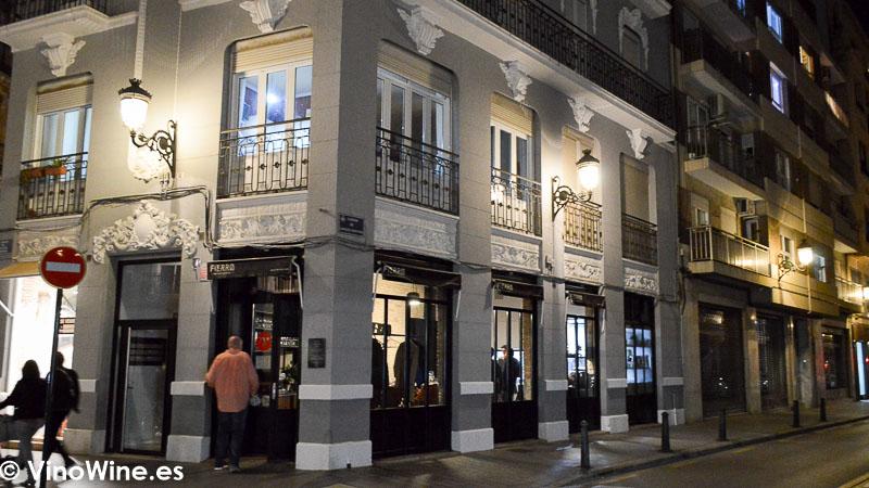 Fachada del Restaurante Fierro en Valencia