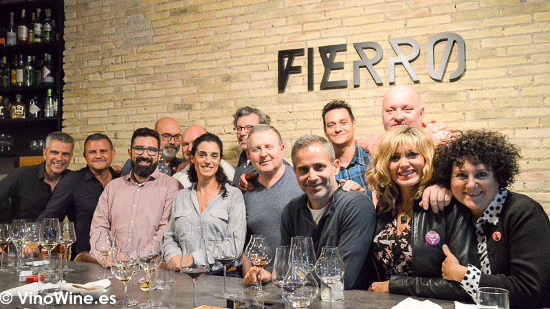 Foto final de los Restauranteros en el Restaurante Fierro en Valencia