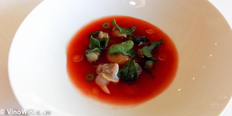 Esencia de tomates fermentados al sereno del Restaurante Bonamb de Javea en Alicante