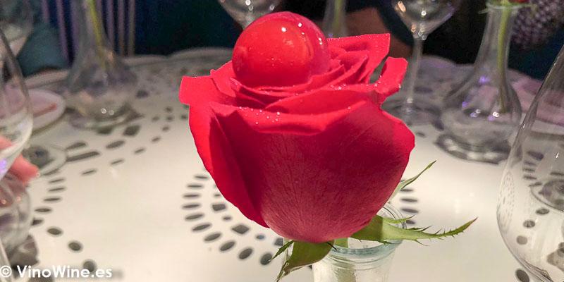 Rosa de ambar del Restaurante Tickets en Barcelona
