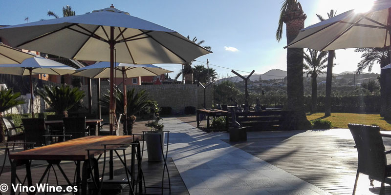 Terraza del Restaurante Bonamb de Javea en Alicante