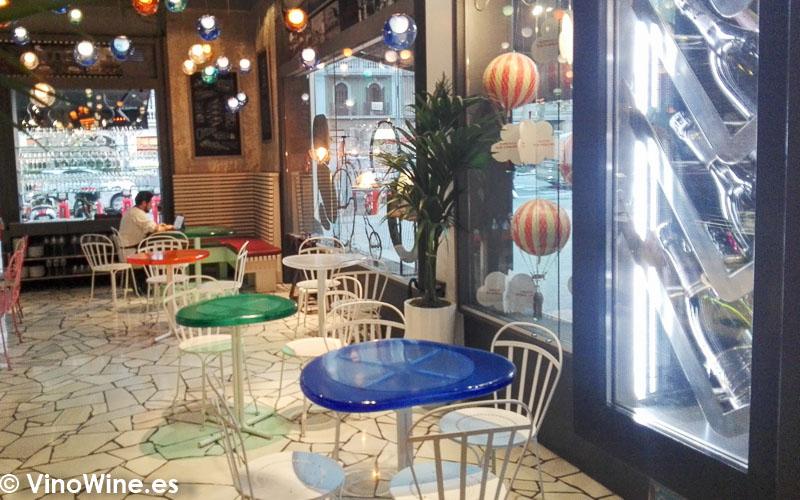 Vista parcial de la sala del Restaurante Tickets en Barcelona