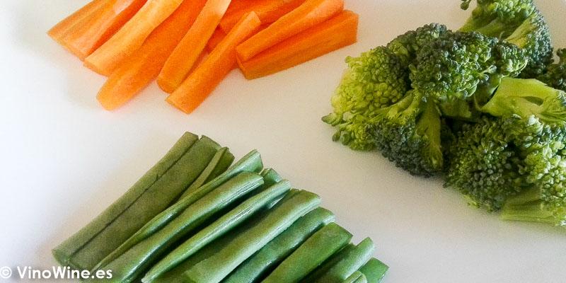 Corte de las verduras para la Receta de Salmon negro de Toni Grimalt