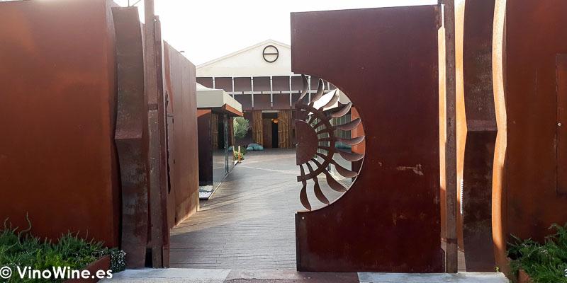 Puerta de entrada principal al Restaurante Aponiente el Chef del Mar