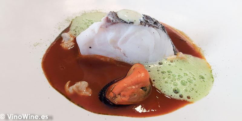 Merluza salmorreta alicantina y moluscos del Restaurante Atalaya en Alcossebre