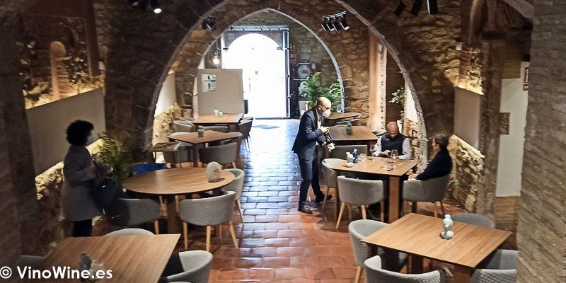 Perspectiva superior de la sala del Restaurante Arrels en Sagunto