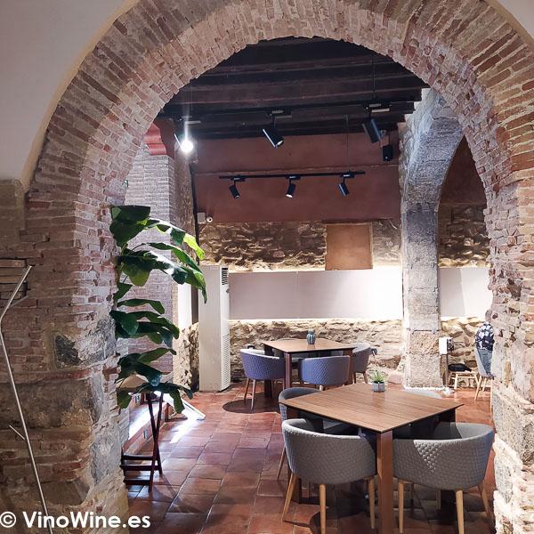 Vista parcial de la sala del Restaurante Arrels en Sagunto
