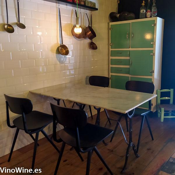 Vista parcial de la sala del Restaurante Gallina Negra en Valencia